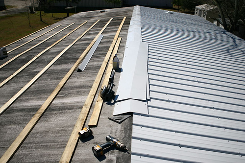 Tin Roof Installation : Metal roof install mobile home